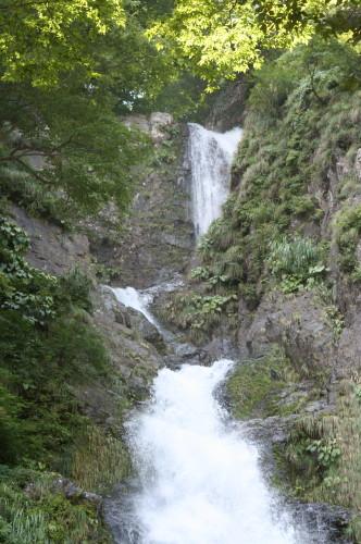 三段の滝 滝の上部をよく見ると、三段の滝になっています。 ひょっとしたら、もう数... おもちゃ
