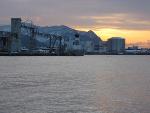 姫川港冬の夕景